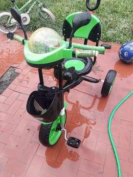 Vendo Triciclo para ambos sexos
