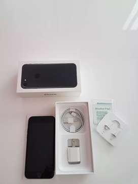 Iphone 7 Black 128g Gb + 12 estuches