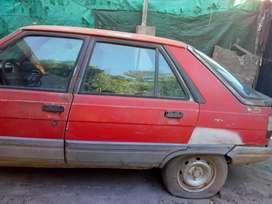 Vendo auto solo para repuestos