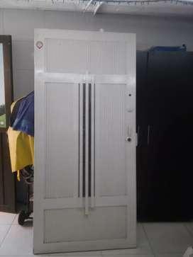 Puerta metalica