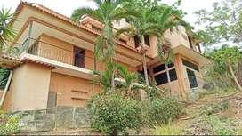 Venta-Casa en Urb. Lago De Capeira Norte de Guayaquil, Vía a Daule, cerca de Ciudad Santiago y Country Golf Club