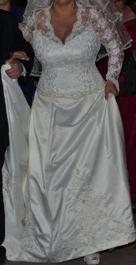 Vestido de novia usado en perfecto estado con zapatos