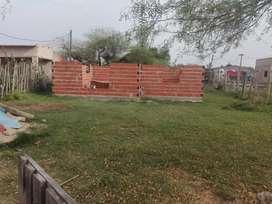 Terreno en construccion buena uvicacion .. media cuadra de soberania  .. agua y luz .. rut en tramite