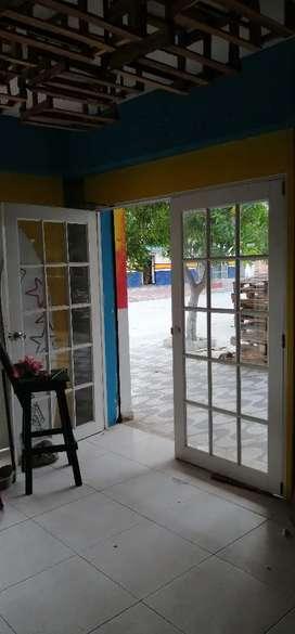 Puertas en vidrio y PVC