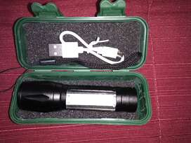 Linterna recargable USB