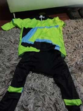 Se vende uniforme.de.ciclismo
