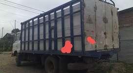 Camion HINO FD500