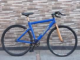 Bicicleta fixie tipo Scott en perfecto estado