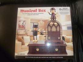 Cajita musical tipo vitrola