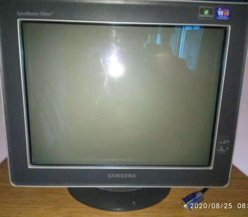 "Venta de monitor Samsung Syncmaster Pn17KS 15.5"" 0"