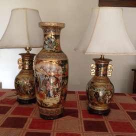 Jarrón y 2 lámparas chinas en porcelana