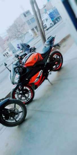 Moto Asia, motor 250,  naranja con negro