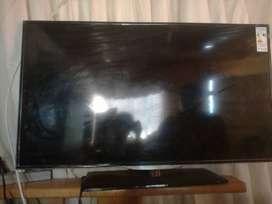 Se vende televisor AOC de 42 pulgadas para repuestos