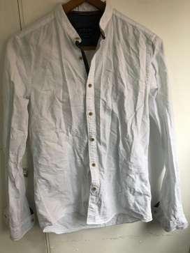 Camisa Zara talla S - slim fit