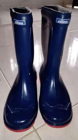 Vendo botas de caucho para niño N. 28