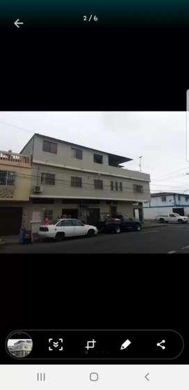 Venta de Casa Esquinera en xcelente condiciones posee 5 locales comerciales amplios y 5 departamentos