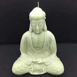 Vela Buda meditando