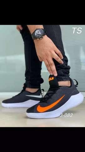 Tenis Nike talla 39