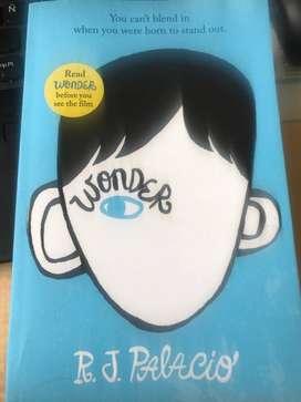 Libro Wonder de RJ Palacio en inglés (nuevo)