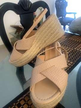 Vendo sandalias plataformas