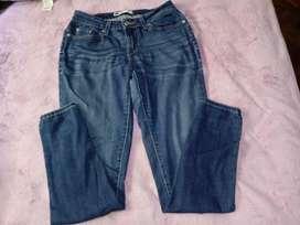 Pantalon/calza jeans femenina LEVIS 28