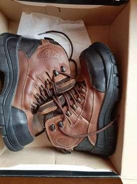 Usado, Vendo zapatos de seguridad dielectricos segunda mano  Perú