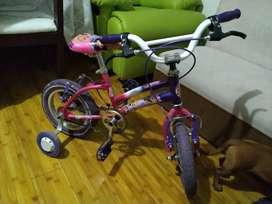 Bicicleta para niña muy buen estado