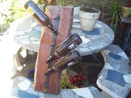 bodega colgante de madera y hierro