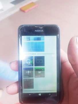 Nokia alumia  todo funcional incluye cargador