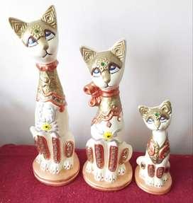 Trio de gatos en ceramica