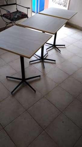 Mesas para bar súper prácticas con buena tenminacion