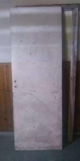 Puerta placa  roble c marco y cerradura