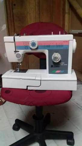 Se vende máquina de coser en perfecto estado se entrega ensayada el precio que colocó no es el precio real