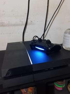 PS4 500gb + 1 joystick