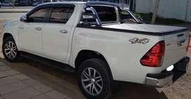 Toyota Hilux. SRX 4x4. Full.