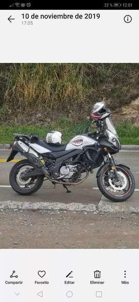 Vendo Suzuki Vstrom 650  DL abs lo local