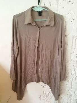 Camisa preciosa con picos talle M o L