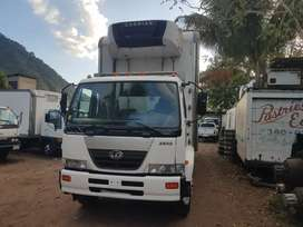 Nissan UD 2600 año 2009 thermo king carrier termo