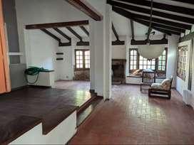 CHALE A METROS DE COSTANERA (VIV PERM) UBICADO EN OBISPO BONEO 150. $130.000+IMP
