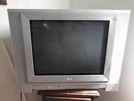 Vendo televisor en buen estado, precio negociable
