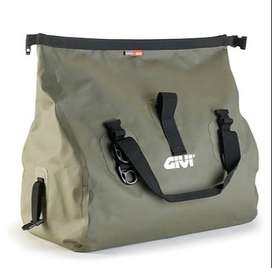 Bolsa Impermeable GIVI Usada, 40LTS Capacidad, 9 de 10