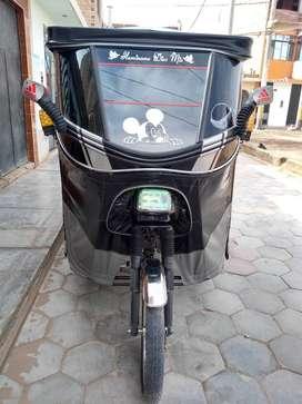 MOTO WANXIN MOTOR 150 , DOS MESES DE USO