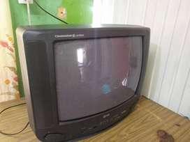 Televisor LG CINEMASTAR Q-ATRO