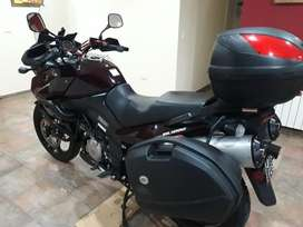 Vendo Suzuki  V Strom  DL 1000 ' Impecable'