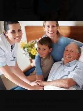 Cuidado al adulto mayor por profesionales