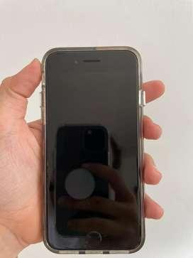 IPhone SE 2020  de 128 GB con caja y caragador original, incluye forro transparente