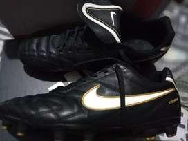 Botines Nike tiempo 1984
