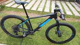 Bicicleta Cube Reaction C62 PRO