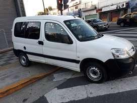 Peugeot Partner Confort 1.6 Año 2011 Hdi Aire Y Dirección Furgon