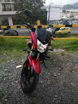 Se vende moto en excelente estado